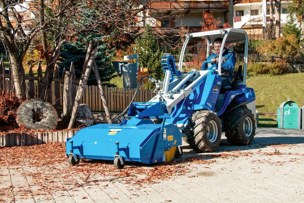 MultiOne mini loader S630 with sweeper