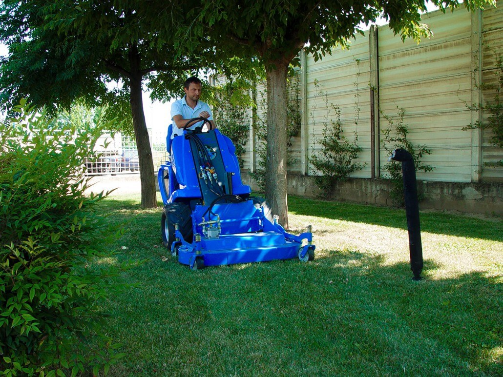 MultiOne mini loader 1 series with lawn mower