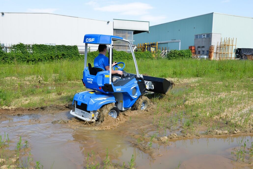 MultiOne mini loader 2 series with bucket mud